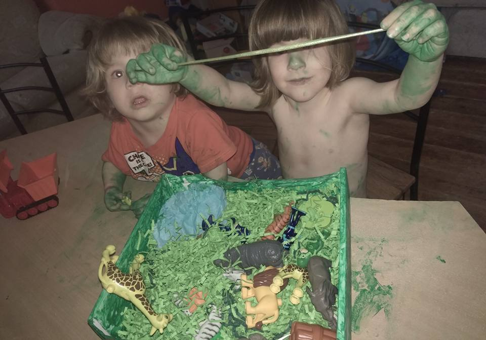 child messy play