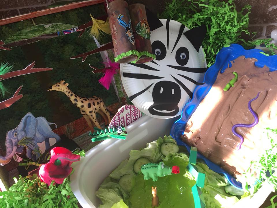 jungle messy play box